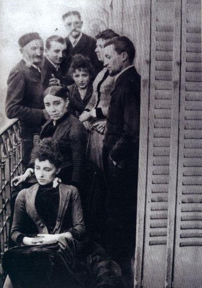 Fotografia di Camille Claudel nella casa a Montparnasse