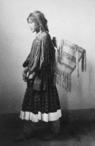 Ragazza Apache
