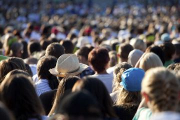 Massa di persone che partecipa ad un evento